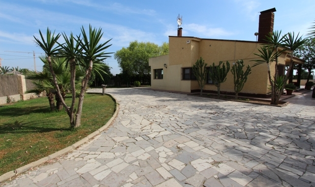 Resale - Villa - El Altet