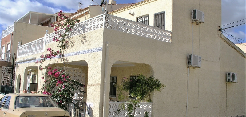 Resale / La Marina / Town House